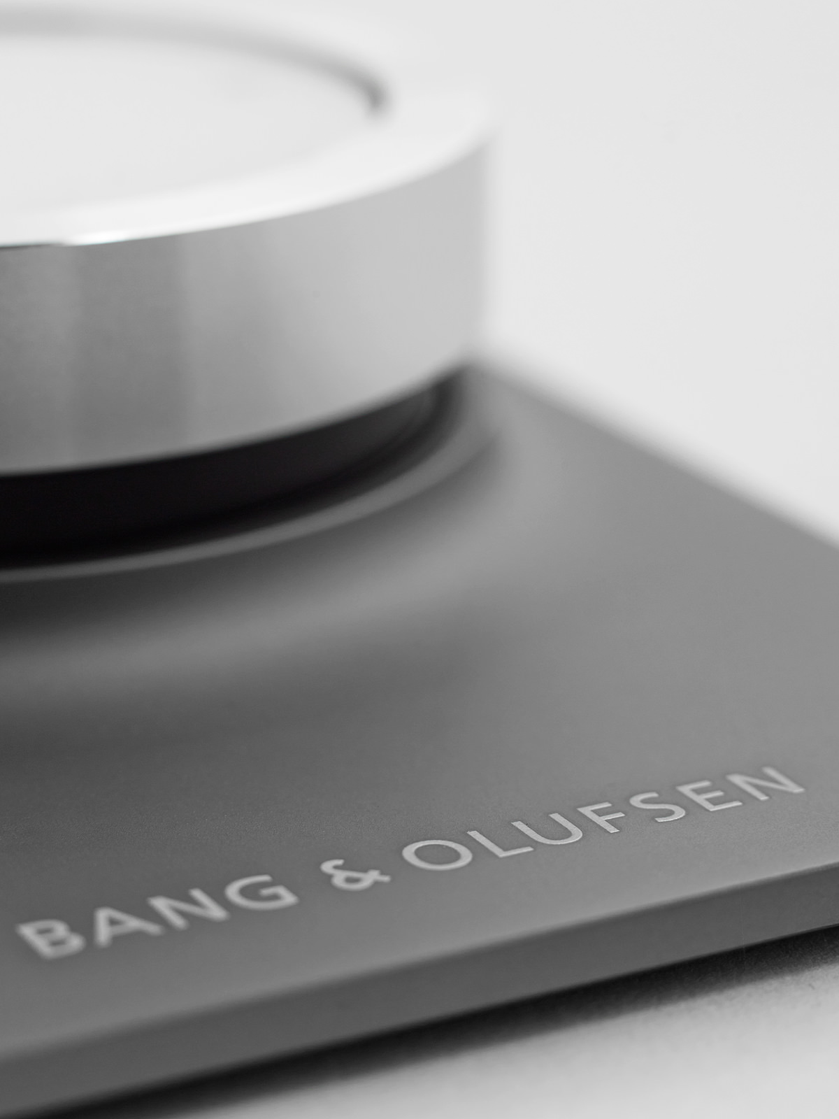 BeoSound Essence product design, Simplification & domestication of innovative design